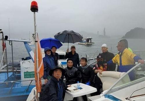 [단독]해양구조협 창원지부 대원들, 실종 다이버 시신 구조